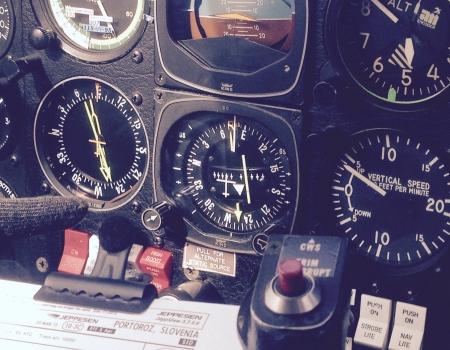 Mooney M20K Instrument Panel flying to Slovenia